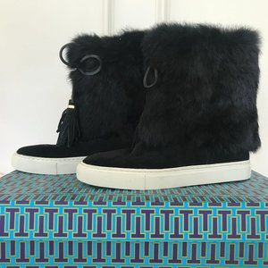 Tory Burch Black Fur Boots size 8, never been worn